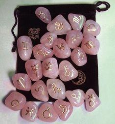 Runas de cuarzos rosa Arte adivinatorio Celta antiguo