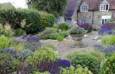 Environmental Benefits of a Vertical Herb Garden Design Herb Garden Design, Diy Garden, Dream Garden, Garden Bed, Edible Garden, Gravel Garden, Garden Landscaping, Landscaping Ideas, English Landscape Garden