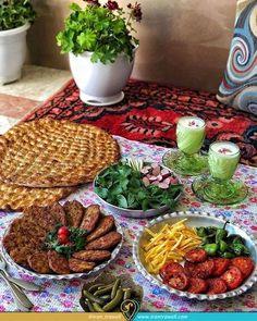 Iranian Desserts, Afghanistan Food, Afghan Food Recipes, Iran Food, Iranian Cuisine, Egyptian Food, Fast Food, Food Decoration, Arabic Food