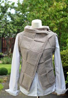 Knitting PATTERN- Clay wrap, womens sleeveless jacket, seamless beginner cardigan pattern - - Outfits for Work Bolero Pattern, Knit Vest Pattern, Wrap Pattern, Mens Sleeveless Jacket, Sleeveless Cardigan, Knitting Designs, Knitting Patterns, Baby Knitting Free, Fall Knitting