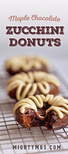 Maple Chocolate Zucchini Donuts - These healthy baked donuts taste just like moist chocolate cake! Topped with white chocolate maple icing. Healthy Donuts, Healthy Cake, Healthy Baking, Healthy Zucchini, Zucchini Cake, Baked Donut Recipes, Crockpot Recipes, Baking Recipes, Casserole Recipes