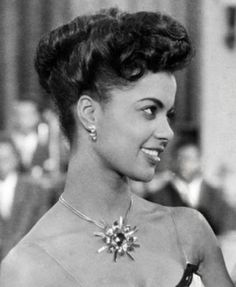 Etta Drucille Guyse, known as Sheila Guyse, (July 1925 –.-Etta Drucille Guyse, known as Sheila Guyse, (July 1925 – December . African American Makeup, African American Hairstyles, African American History, Vintage Glamour, Vintage Beauty, Classic Beauty, Timeless Beauty, Black Beauty, Southern Belle