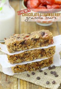 Chewy Chocolate Strawberry Granola Bars #recipe #FitFluential