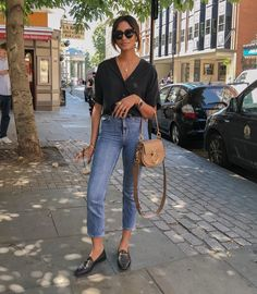 Women Jeans Outfit Blue Pants Outfit Long Sleeve Maxi Dress Formal Khaki Cropped Trousers Mustard Pants Leather Look Pants Jeans And Heels Outfit – gardeniarlily Black Loafers Outfit, Black Shirt Outfits, Style Outfits, Fashion Outfits, Loafers Outfit Summer, Jean Outfits, Black Shirt With Jeans, T Shirt And Jeans Outfit, Loafers With Jeans
