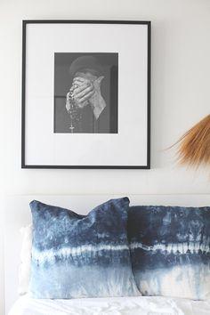 Dip-dye meets shibori in this pillow cover #DIY.