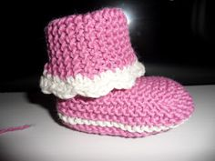 Hjemmelaget: Strikka babysokker Baby Knitting Patterns, Baby Booties, Kids And Parenting, Garnet, Diy And Crafts, Beanie, Booty, Hats, Sweaters