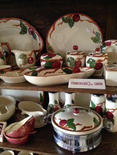 Vintage Dishes, Vintage Glassware, Vintage Kitchen, Franciscan Ware, Apple Kitchen Decor, Apple Decorations, Dinner Ware, Apples, Tea Time
