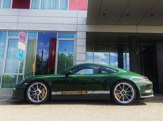 Porsche 911R Green
