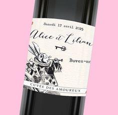Etiquette de bouteille mariage sur le thème d'Alice aux pays des merveilles pour une décoration de table féerique, réf.N300910