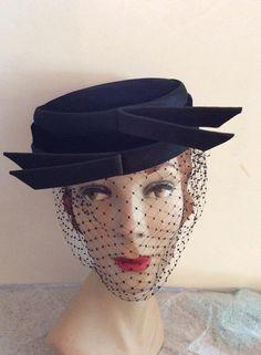 Década de 1950 sombrero pastillero estilo por TimelessTreasuresVCB Década  De 1950 060d7ba21bc