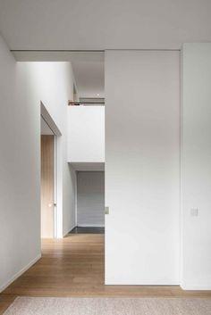 Home Remodel Steps .Home Remodel Steps Sliding Pocket Doors, Internal Sliding Doors, Sliding Door Design, Wood Slat Wall, Room Divider Doors, House Inside, Deco Design, Minimalist Home, Windows And Doors