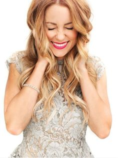 Middle parted waves, Holiday Hair inspirations! Gorgeous, Glam simple hairstyles. Old hollywood waves, tutorials