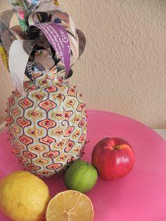 Seeligkeitssachen, Ananas aus Papiermache, #ananas #papermache #papiermache #obst #fruit #selbstgemacht