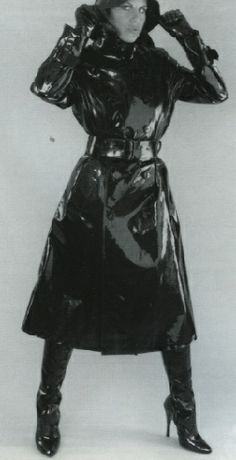 Perfectly polished and so very shiny Black White Photos, Black And White, Rubber Raincoats, Pvc Raincoat, Rain Wear, Black Rubber, Vintage Black, Vintage Outfits, Women Wear