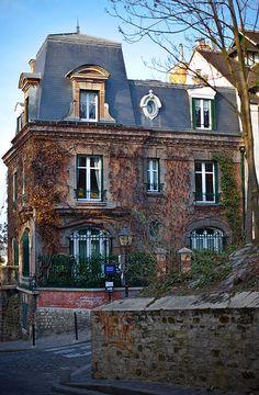 Paris,  montmartre, 22 rue cortot, 18th.