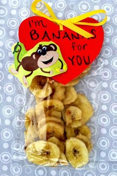 How to make Healthy, Kid Approved Banana Chips in the Oven and a Valentine's Day Snack/Craft Idea