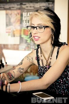 Kreayshawn Talks Cats, Style, and Eyeliner with Buzznet Before the VMAs