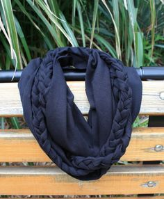 Really cute DIY braided infinity scarf!