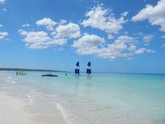 Great beach day in #jamaica #ninemilebeach #couplessweptaway where blueskies and oceans meet