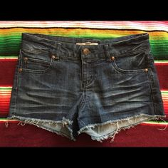 Forever 21 Denim Cut Off Shorts Cut off Jean shorts from Forever 21! They are in excellent condition. Forever 21 Shorts Jean Shorts