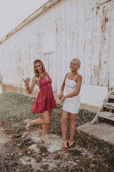 Source by dresses vsco Cute Friend Pictures, Best Friend Pictures, Bff Pics, Hoco Dresses, Dance Dresses, Homecoming Dresses, Homecoming Week, Graduation Dresses, Summer Dresses