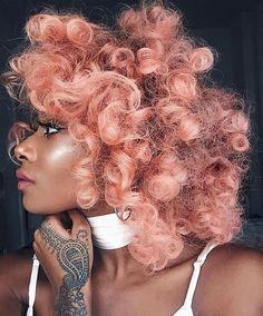 Pretty in pink curls. // #beauty #style