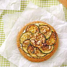 Zucchini Tartelette with Hazelnut and Parmesan (in French, translator at the end of the recipe)
