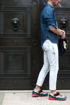 Men's wear # fashion for men # mode homme # men's fashion Street Style Vintage, Autumn Street Style, Street Style Looks, Jeans 2016, Nike Tights, Men Street, Mens Fashion Shoes, Dress For Success, Fashion News