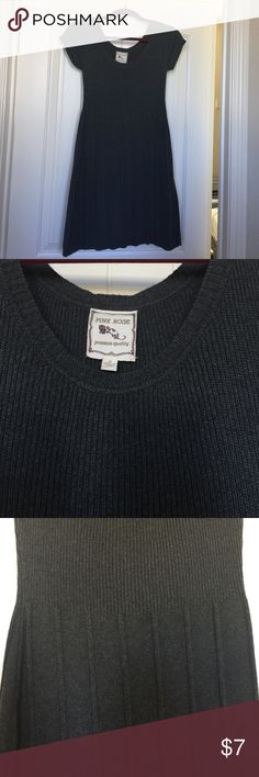 Sweater dress size small Cute grey sweater dress size small in great condition Dresses Midi