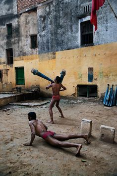 Power of Play   India - Steve McCurry