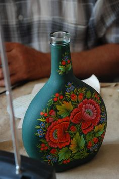 * бутыль петриковская * Wine Bottle Art, Wine Bottle Crafts, Bottles And Jars, Glass Bottles, Painted Boxes, Hand Painted, Canvas Painting Tutorials, Ukrainian Art, Indian Folk Art