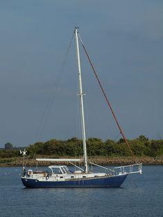 Yacht on Sharps Green bay