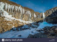 svartifoss-black-falls-in-winter-skaftafell-vatnajokull-national-park-DT1PEF.jpg (1300×956)