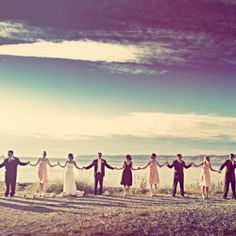 So it IS possible to have a totally non-cheesy group wedding photo?! Check out Seattle photographer Aubrey Joy