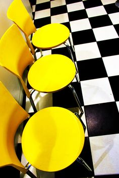 Black and Yellow Diner