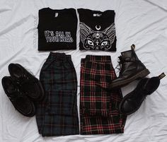 Pin on Grunge Fashion Pin on Grunge Fashion Grunge Outfits, Hipster Outfits, Teen Fashion Outfits, Edgy Outfits, Mode Outfits, Retro Outfits, Cute Casual Outfits, Grunge Fashion, Trendy Fashion