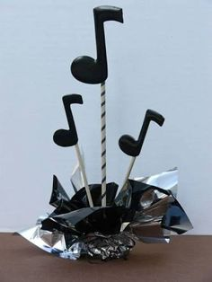 41 New Ideas Music Note Party Decorations Centerpieces Music Centerpieces, Music Notes Decorations, Music Decor, Party Centerpieces, Diy Party Decorations, 50s Theme Parties, Music Themed Parties, Party Themes, Ideas Party
