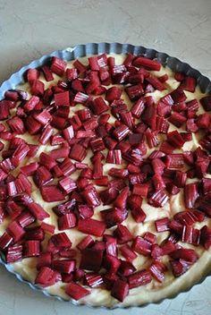Scandi Home: Finnish Rhubarb Tart yummmmm! Finnish Cuisine, Just Desserts, Dessert Recipes, Rhubarb Tart, Finnish Recipes, Sweet Recipes, Tart Recipes, Pudding Recipes, Yummy Recipes