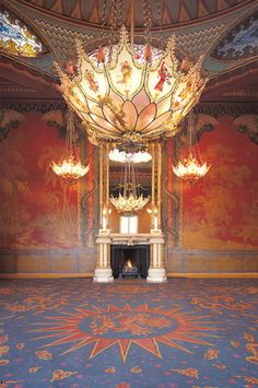 Interior of The Royal Pavilion, Brighton, East Sussex: Chandeliers in the Music Room