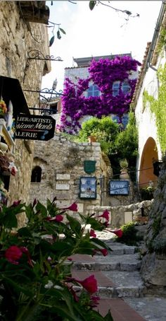 Atelier Galerie Floriane Maels on Rue Principale in Eze-Village, Provence, France • original source not found