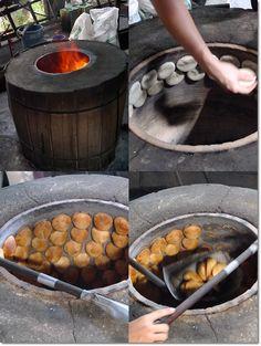 Traditional Process of Baking the Heong Peng 189 (Yat Pat Gao Enterprise) 189, Lorong Gunung Rapat 5, 31350 Ipoh, Perak, Malaysia. Telephone : 6016-560 9781 (Lew), 605-312 7033  >> Seng Kee Food Trading 177, Lorong Gunung Rapat 3, Gunung Rapat, 31350 Ipoh, Perak, Malaysia. Tel No : 605-312 0972. H/P No : 6012-507 0728