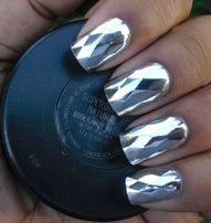 sparkling silver mani