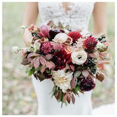 Kelly's fall bouquet ❤️ #dahliasfordays #bridalbouquet @emilywrenphoto