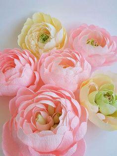 Купить или заказать Цветы из гофрированной бумаги. в интернет-магазине на Ярмарке Мастеров. Сегодня хочу вам показать маленькую часть будущей большой…