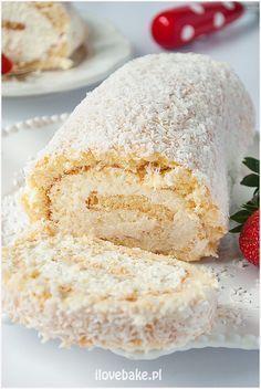 Rolada biszkoptowa Raffaello - I Love Bake Swans Down Cake Recipe, Jam Cake Recipe, Pineapple Coconut Bread, Sweet Recipes, Cake Recipes, Polish Desserts, Decadent Cakes, Banana Nut Bread, Sweets Cake