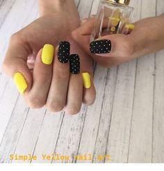 Yellow nails with polka dots Nails Yellow nails with polka dots Yellow Nails Design, Yellow Nail Art, Stylish Nails, Trendy Nails, Shellac Nails, Acrylic Nails, Gel Manicure, Polka Dot Nails, Polka Dots