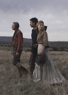 Wes Studi, Christian Bale & Rosamund Pike in 'Hostiles', 2017 - A Western Drama - Masterpiece Directed by Scott Cooper. Rosamund Pike, Christian Bale, I Love Cinema, Wes Studi, Cool Captions, Recent Movies, Sundance Film Festival, Great Movies, Film Movie
