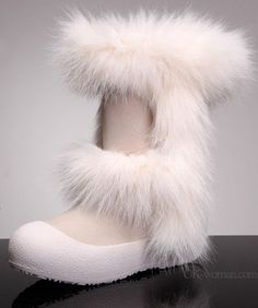 Uggs for women - Website For Women Ugg Snow Boots, Snow Boots Women, Winter Boots, Baby Uggs, Creative Illustration, Whimsical Art, Ugg Shoes, Nice, Outfit