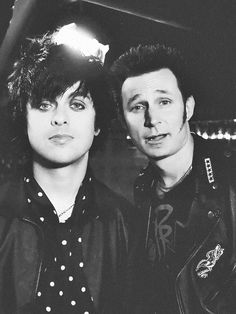 Billie Joe Armstrong & Mike Dirnt (Green Day) <3 <3