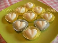 Kokosová srdíčka Honeydew, Christmas Cookies, Muffin, Food And Drink, Pudding, Fruit, Breakfast, Anna, Relax